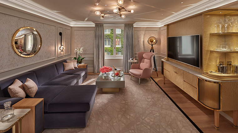 mandarin oriental hyde park london superior suite living room