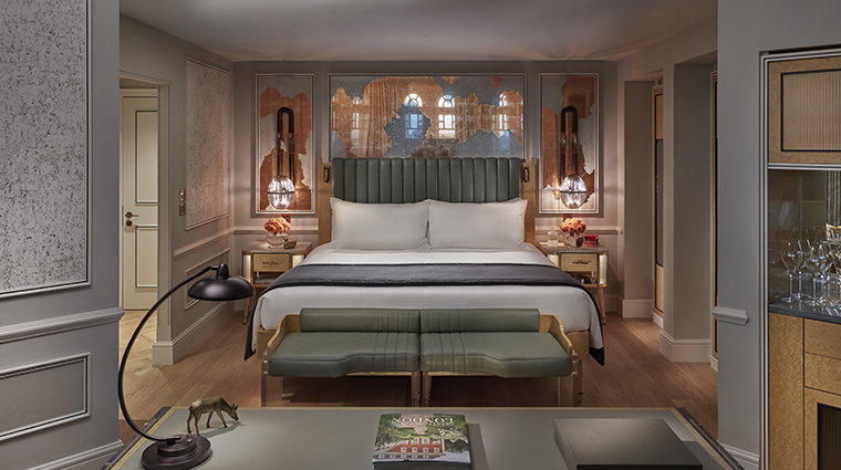 mandarin oriental hyde park london turret bedroom