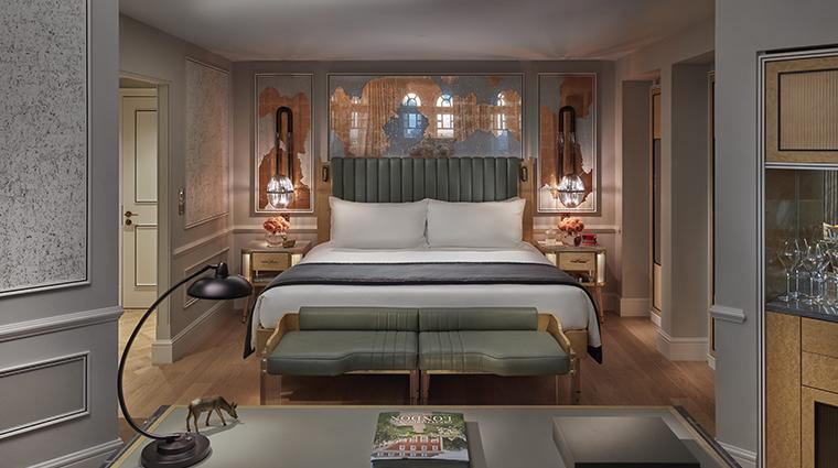mandarin oriental hyde park london turret bedroom