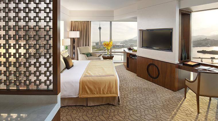 mandarin oriental macau corner view room