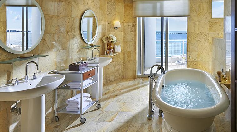 mandarin oriental miami suite biscayne bathroom