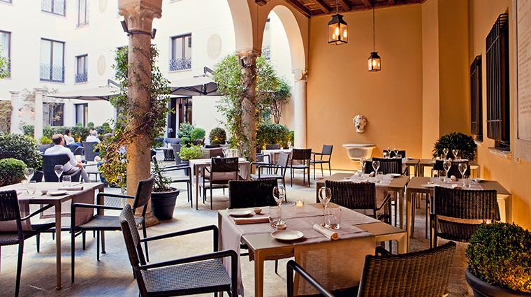 mandarin oriental milan courtyard