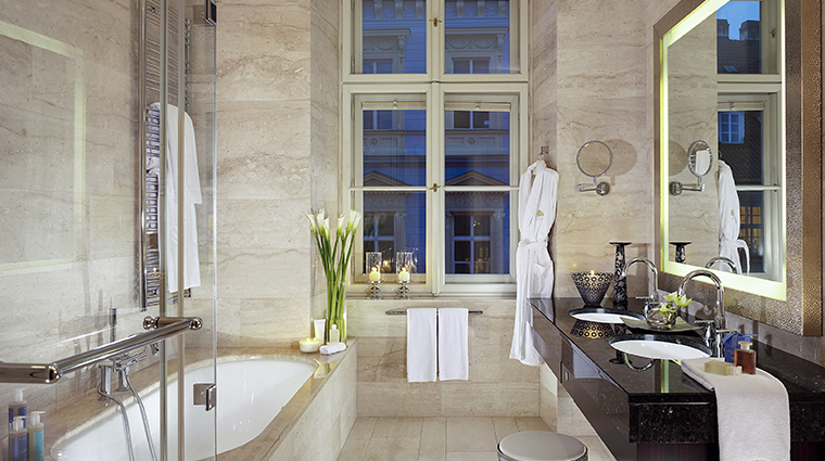mandarin oriental prague deluxe suite bathroom