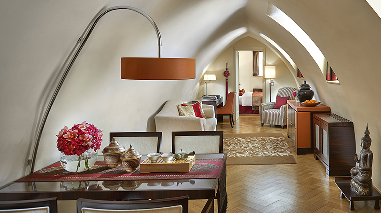 mandarin oriental prague oriental suite living room