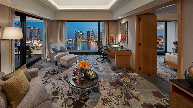 mandarin oriental singapore marina bay suite