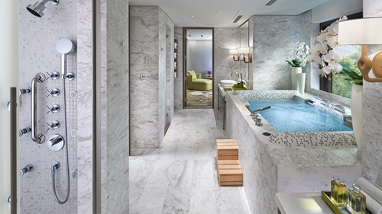 mandarin oriental taipei spa VIP suite wet area