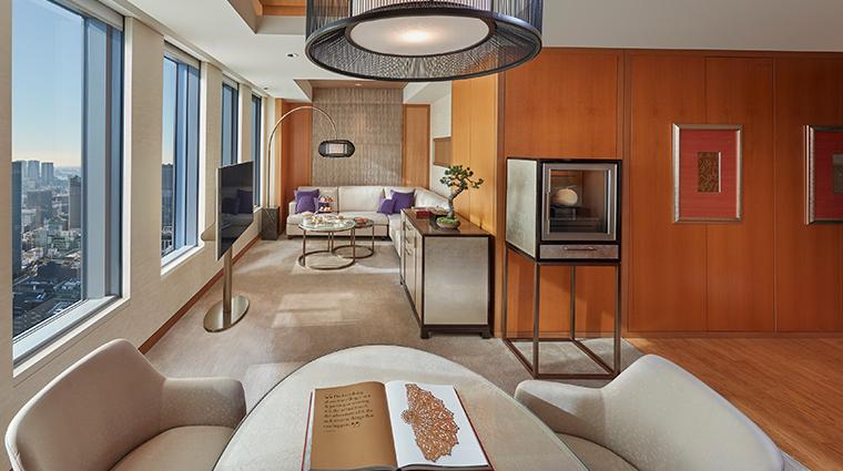 mandarin oriental tokyo mandarin corner suite living room