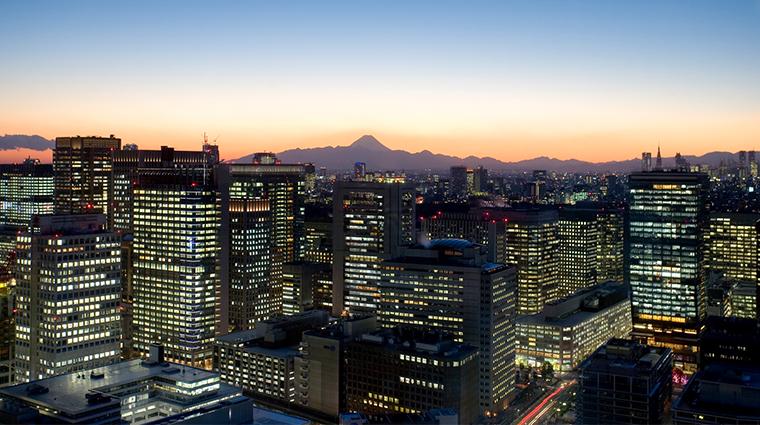 mandarin oriental tokyo skyline