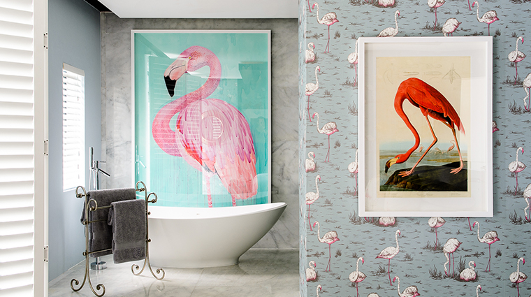 manna bay flamingo bathroom