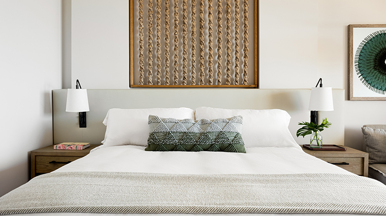 mauna lani auberge resorts collection bed detail