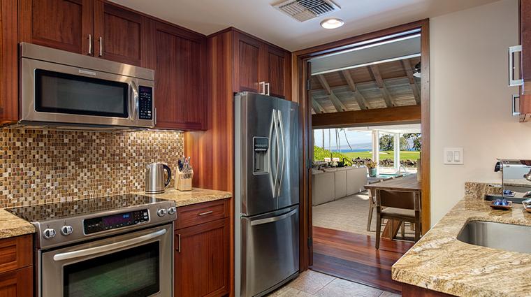 mauna lani auberge resorts collection bungalow kitchen