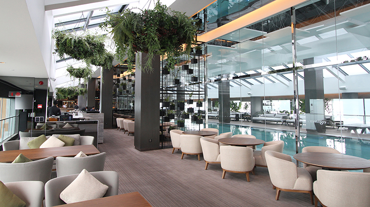 maxims at resorts world genting e18hteen Inspired Cuisine and pool