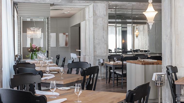 menton dining room2