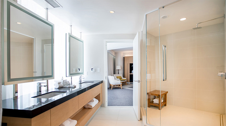 mgm national harbor king suite bathroom