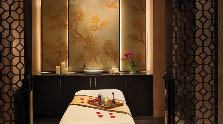 midtown shangri la hangzhou spa treatment room