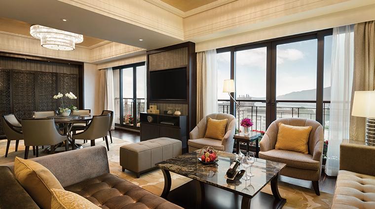 midtown shangri la hangzhou specialty suite living room