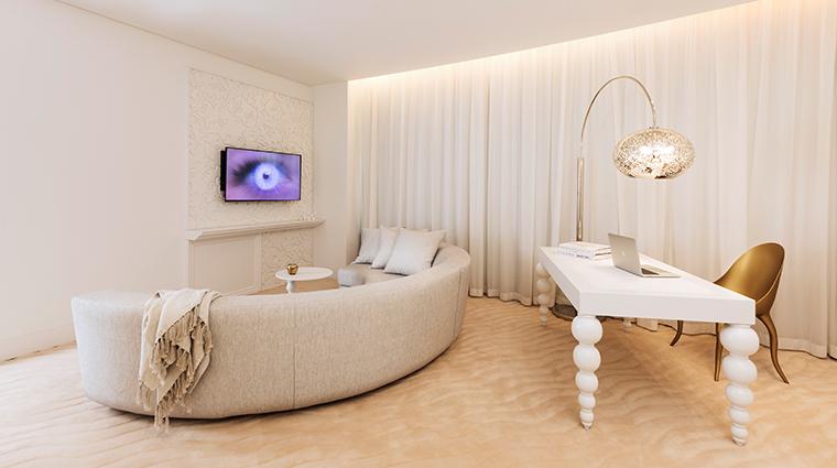 mondrian doha deluxe terrace suite