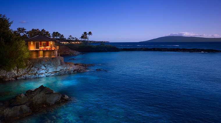 montage kapalua bay cliff chouse night