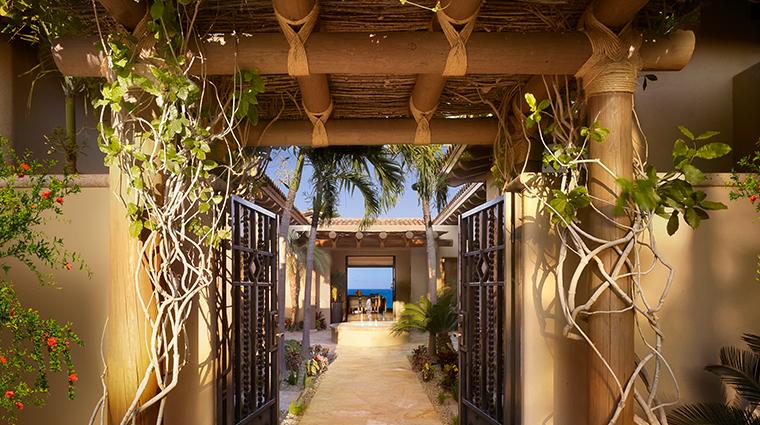 montage los cabos Santa Maria courtyard