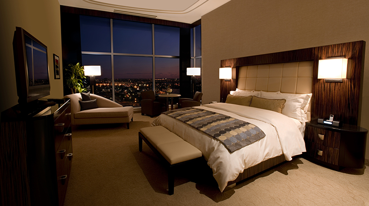 motorcity casino hotel presidential suite bedroom