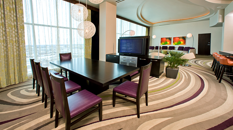 motorcity casino hotel presidential suite dining