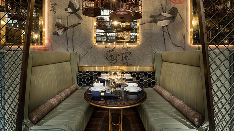 mott 32 dining booth