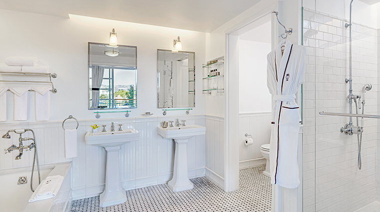 mr c beverly hills suite bathroom