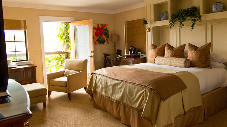 napa river inn guestroom