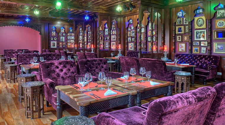 nayara springs Amor Loco Lounge