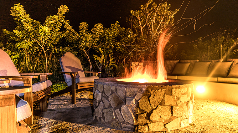 nekupe sporting resort and retreat casa club fire place