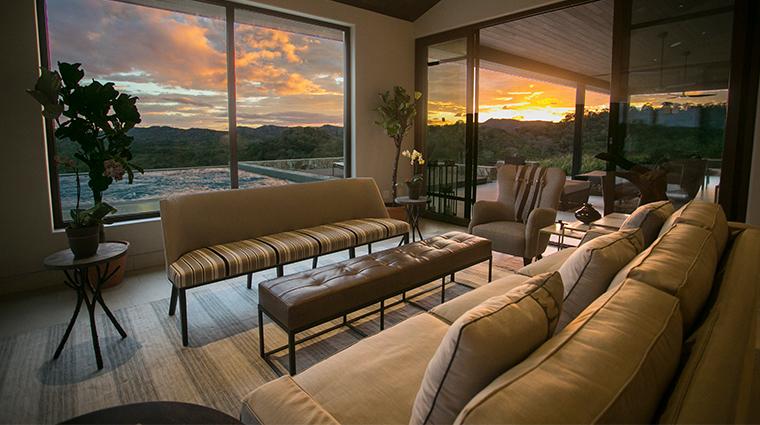 nekupe sporting resort and retreat grand suite living room2