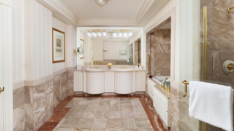 nemacolin woodlands resort chateau lafayette chateau king bathroom