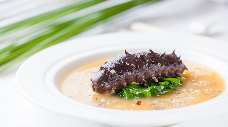 noble court braised sea cucumber