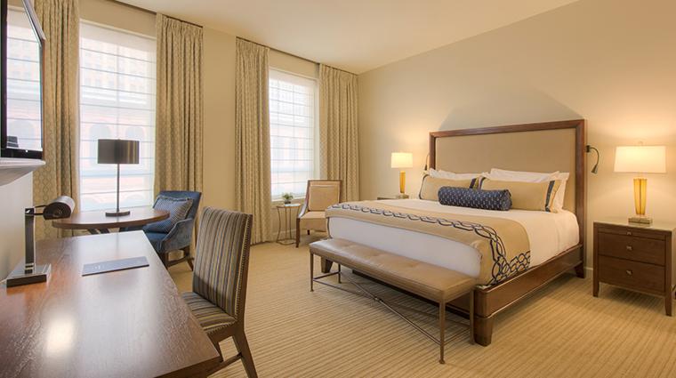 nopsi hotel deluxe king room