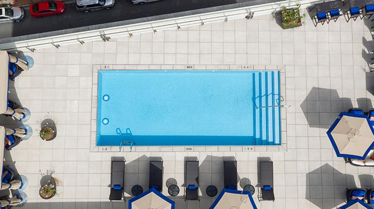 nopsi hotel pool day