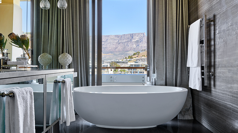 oneonly cape town penthouse bathroom