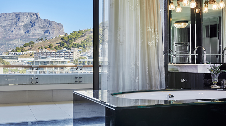 oneonly cape town penthouse master bedroom