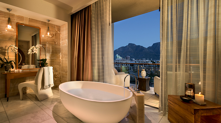oneonly cape town presidential suite bathroom