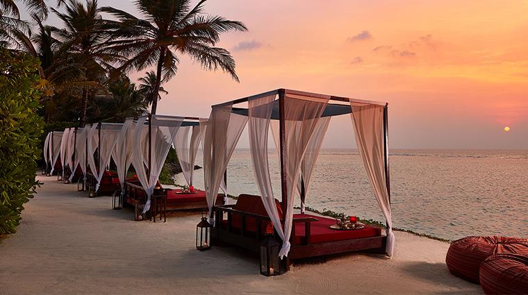 oneonly reethi rah beach cabanas