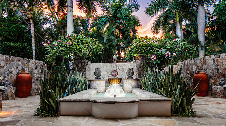 oneonly spa at palmilla meditation fountain
