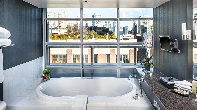 opus hotel vancouver signature suite bath