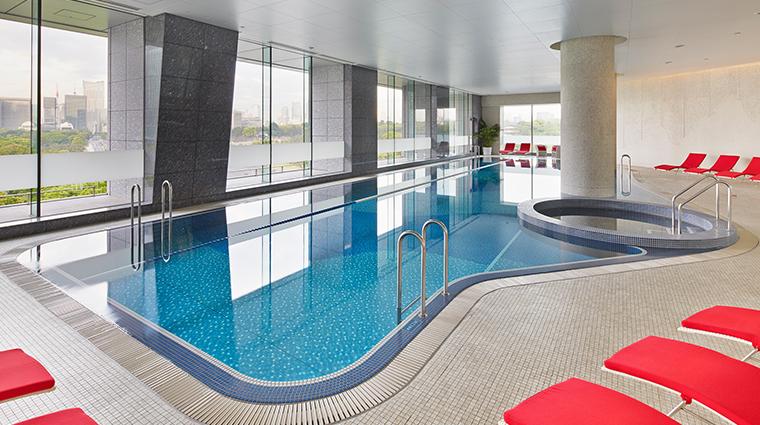 palace hotel tokyo swimming pool