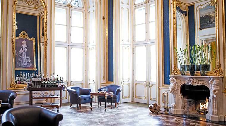 palais coburg Blue Salon