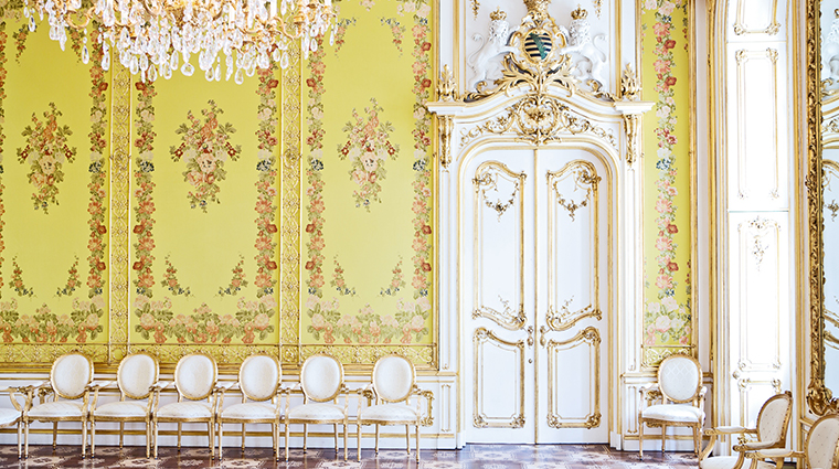 palais coburg Yellow salon
