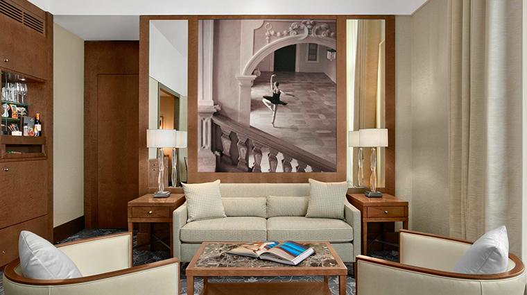 palais hansen kempinski palais suite living room