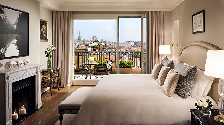 palazzo parigi hotel grand spa milano presidential suite master bedroom