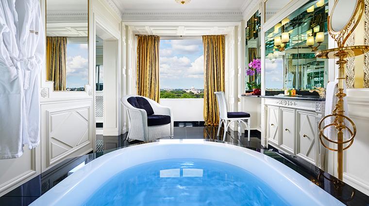parco dei principi grand hotel spa royal suite bathroom