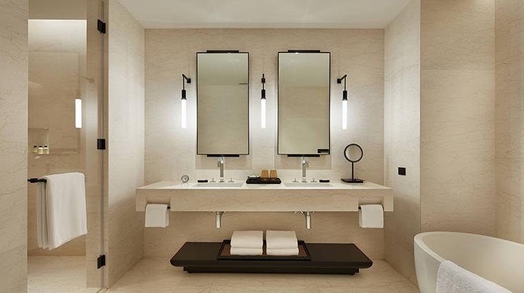 park hyatt bangkok bathroom