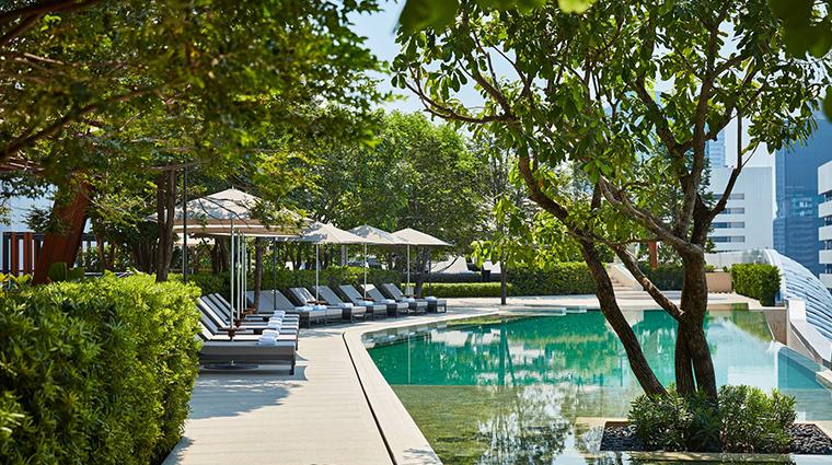 park hyatt bangkok pool daytime