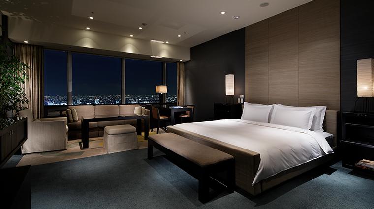 Park Hyatt Tokyo suite bedroom
